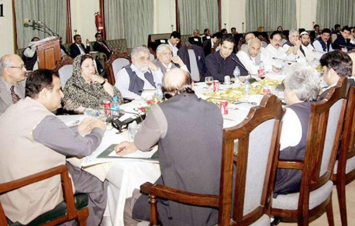 لاہور: وزیراعلیٰ پنجاب عثمان بزدار صوبائی کابینہ کے اجلاس کی صدارت کررہے ہیں