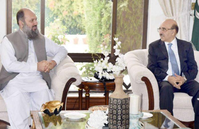 کوئٹہ : وزیراعلیٰ بلوچستان جام کمال خان سے آزاد کشمیر کے صدر محمد مسعود خان ملاقات کررہے ہیں