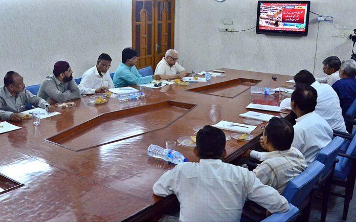 حیدرآباد:تاجر برادری چیمبر آف کامرس کے ہال میں بجٹ تقریرسن رہی ہے