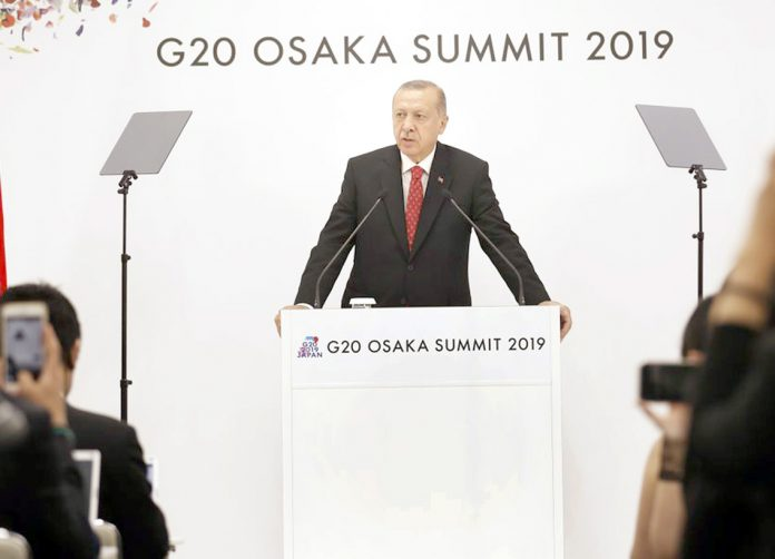 اوساکا: ترکی کے صدر رجب طیب اردوان جی 20 اجلاس کے موقع پر خطاب کررہے ہیں
