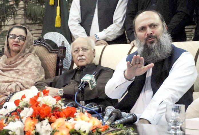 اسلام آباد: وزیر اعلیٰ بلوچستان جام کمال پریس کانفرنس کررہے ہیں