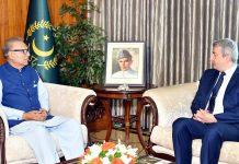 اسلام آباد، صدر مملکت عارف علوی سے بیلجیم کے سفارتکار فریڈرک ویرڈن الوداعی ملاقات کررہے ہیں