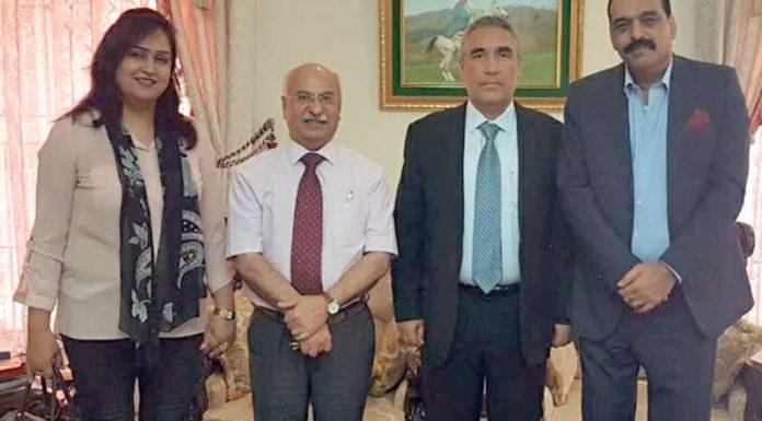 نائب صدر FPCCIشیخ عبدالوحید اورمعروف بزنس مین ،خورشید برلاس کاڈین کور اور ترکمانستان کے سفیر سے ملاقات کے موقع پر گروپ فوٹو
