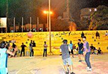 شہدا پاکستان کپ باسکٹ بال ٹورنامنٹ میں کھلاڑی ایکشن میں نظرآرہے ہیں