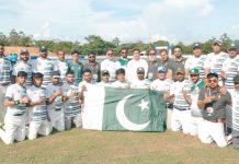 کولمبو: ایشین بیس بال چیمپئن شپ میں بنگلادیش کو شکست دینے کے بعدقومی بیس بال ٹیم کالیاگیا گروپ فوٹو