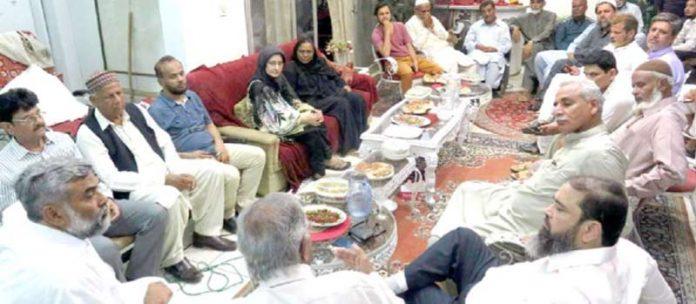 قوم کی بیٹی ڈاکٹر عافیہ کی وطن واپسی کے لیے اجلاس میں شرکا اظہارِ خیال کر رہے ہیں