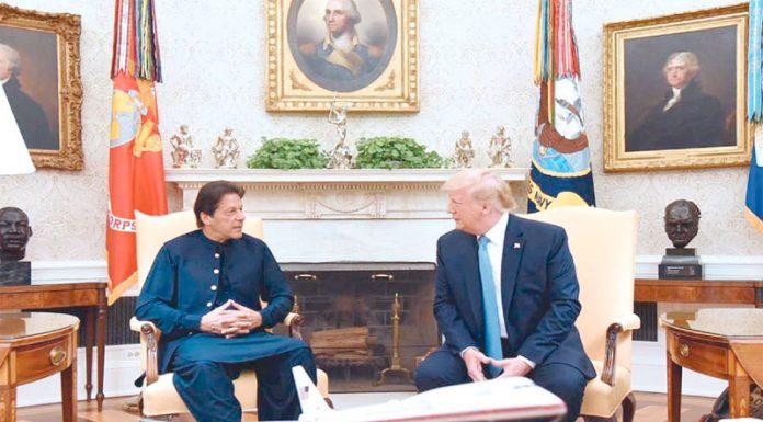 واشنگٹن : وزیراعظم عمران خان صدر ٹرمپ سے ملاقات کررہے ہیں