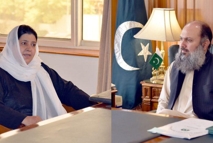 کوئٹہ:وزیر اعلیٰ بلوچستان جام کمال خان سے خاتون محتسب صابرہ اسلام ملاقا ت کررہی ہیں