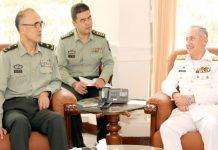 اسلام آباد :امیر البحر ایڈمرل ظفر محمود عباسی سے ڈائریکٹر جنرل بومی ٹیک میجر جنرل فان جیانجن ملاقات کر ر ہے ہیں