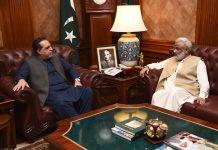 کراچی،گورنر سندھ عمران اسماعیل سے سابق وزیر اعلیٰ ارباب غلام رحیم ملاقات کررہے ہیں