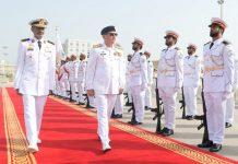 ابو ظبی،نیول چیف ایڈمرل ظفر محمود عباسی کو نیول ہیڈ کوارٹر یو اے ای کے دورے پر گارڈ آف آنر پیش کیا جارہا ہے