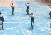 کراچی : بیس بال کوچنگ کے سلسلے میں ملک بھر سے آئے کھلاڑیوں کو انٹرنیشنل کوچز تربیت فراہم کررہے ہیں