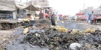حیدر آباد : بلدیہ کی نااہلی کے سبب جگہ جگہ گندگی کے ڈھیر امراض پھیلانے کا باعث ہیں