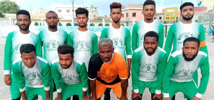 آل کراچی عبدالخالق بلوچ شہید فٹبال ٹورنامنٹ میں شریک کھلاڑیوں کا میچ سے قبل گروپ فوٹو