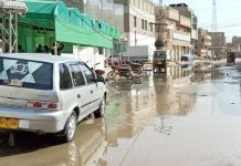 جیکب آباد ،بلدیہ کی غفلت کی وجہ سے اسٹیشن روڈ پر سیوریج کا پانی جمع ہے ا