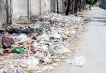 کوئٹہ : لا کالج سے متصل دیوار کے کنارے کچرے کا ڈھیر انتظامی نااہلی کا ثبوت دے رہا ہے