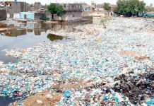 سرجانی ٹاؤن میں گندگی اور کچرے کی وجہ سے علاقہ مکین گھروں میںمحصورہوکررہ گئے ہیں