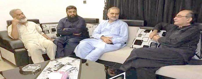 حافظ نعیم الرحمن اوکھائی میمن جماعت کے سابق صدر سلیمان قاسم پاستہ سے ملاقات کررہے ہیں