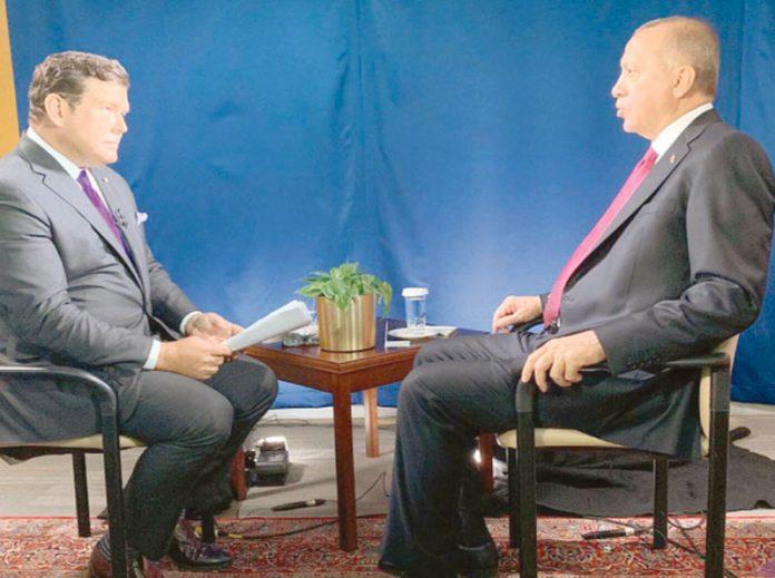 نیویارک: تُرک صدر رجب طیب اردوان امریکی ٹی وی چینل کو انٹرویو دے رہے ہیں