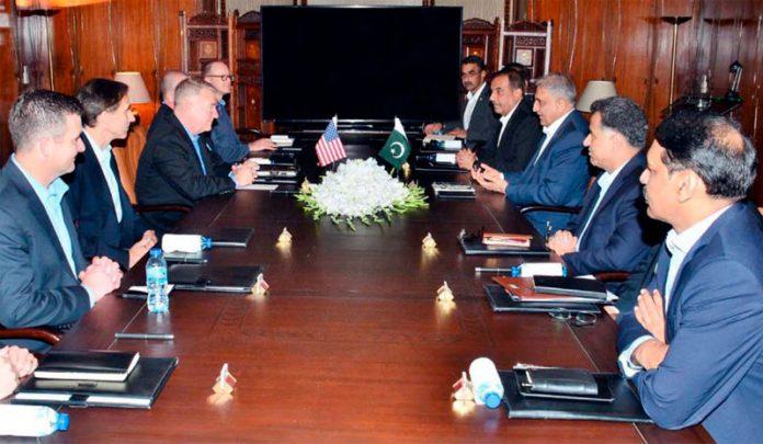 راولپنڈی: آرمی چیف جنرل قمر جاوید باجوہ سے امریکی سینٹ کام کے کمانڈ جنرل کینتھ میکنزی ملاقات کررہے ہیں
