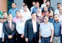 لائف اسپتال کے چیئرمین میاں طارق نثار کے ساتھ لاہور چیمبر کے عہدیداران کا گروپ فوٹو