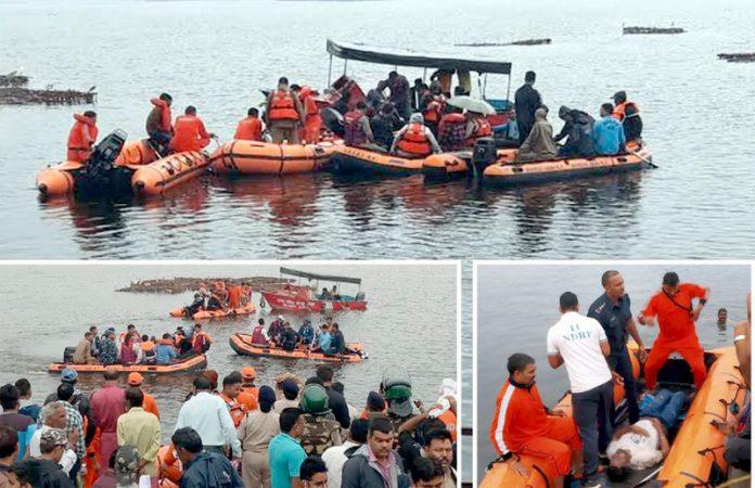 بھوپالـ: امدادی کارکن اور فوجی تالاب میں ڈوبنے والوں کی لاشیں نکال کر کنارے پر لا رہے ہیں