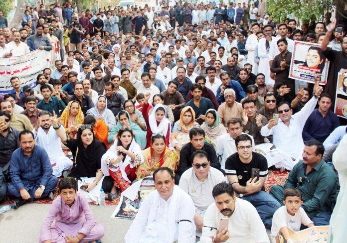 حیدرآباد: سول سوسائٹی کے تحت ڈاکٹرنمرتا کی ہلاکت کے خلاف احتجاج کیا جارہاہے