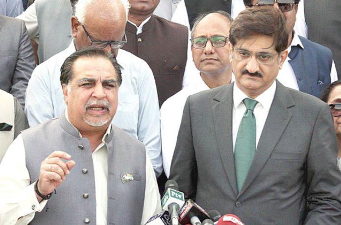 کراچی:گورنر اور وزیراعلیٰ سندھ مزار قائد پر حاضری کے بعد میڈیا سے گفتگو کررہے ہیں