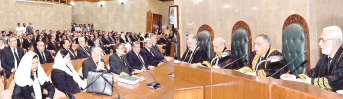 اسلام آباد: چیف جسٹس آصف سعید کھوسہ نئے عدالتی سال کی افتتاحی تقریب سے خطاب کررہے ہیں