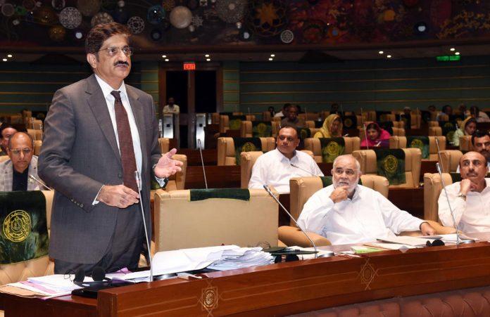 کراچی: وزیراعلیٰ سندھ سید مراد علی شاہ اسمبلی اجلاس میں سوالات کے جواب دے رہے ہیں