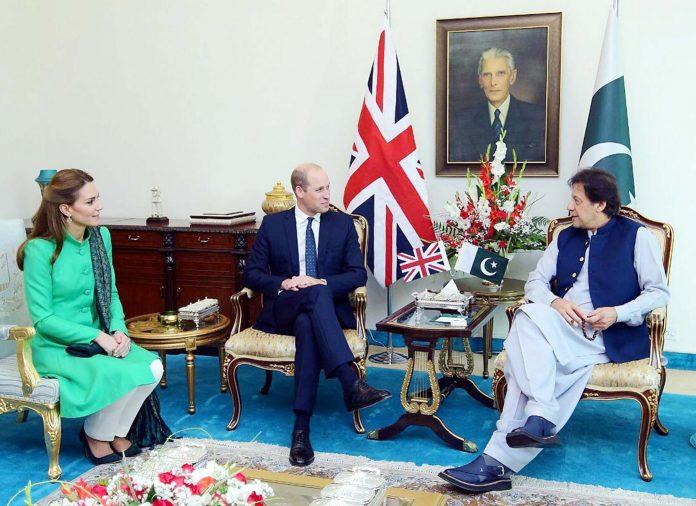 اسلام آباد:وزیراعظم عمران خان سے برطانوی شاہی جوڑا ملاقات کررہا ہے