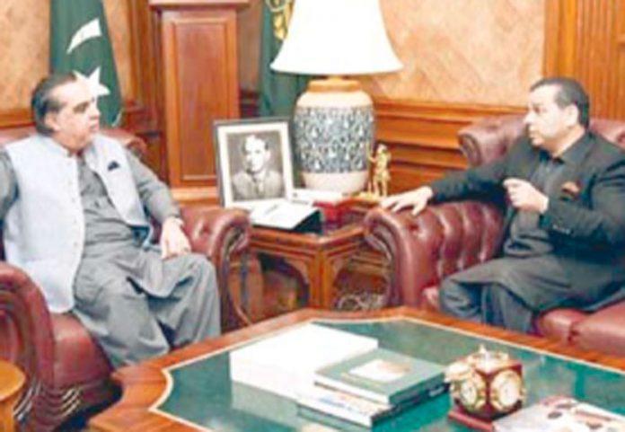 کراچی: وزیراتعلیم پنجاب مراد راس گورنر سندھ سے ملاقات کررہے ہیں