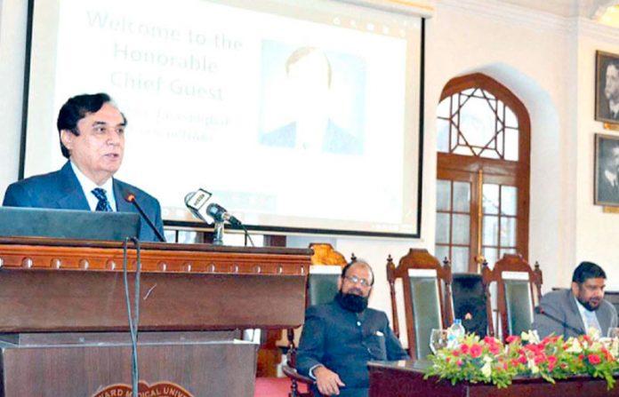 لاہور: چیئرمین نیب جسٹس(ر) جاوید اقبال انسداد بدعنوانی کے حوالے سے منعقدہ سیمینار سے خطاب کررہے ہیں