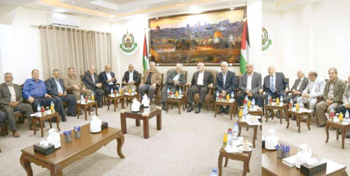 مقبوضہ بیت المقدس: فلسطینی الیکشن کمیشن کا وفد غزہ میں اسلامی تحریک مزاحمت حماس کے رہنماؤں سے ملاقات کررہا ہے