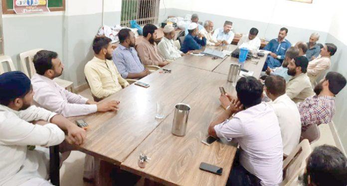 جماعت اسلامی ضلع ائرپورٹ کے امیر توفیق الدین صدیقی سوشل میڈیا کے حوالے سے اجلاس کی صدارت کر رہے ہیں
