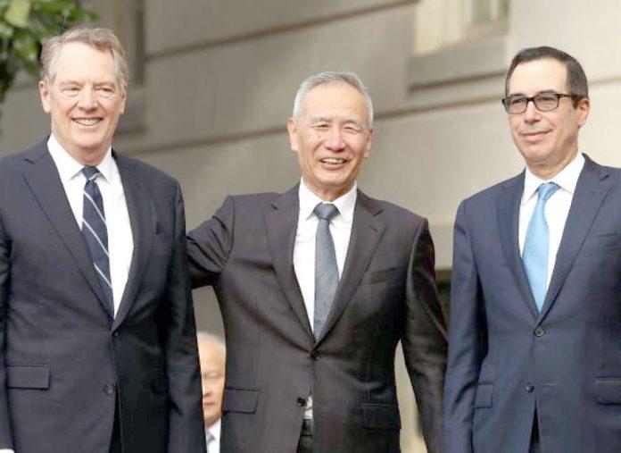 واشنگٹن: امریکی نمایندے چینی نائب وزیراعظم کا استقبال کررہے ہیں
