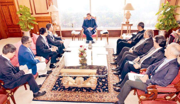 اسلام آباد، وزیر اعظم عمران خان سے چینی کمپنی ہوائے کا وفد ملاقات کررہا ہے